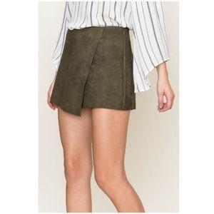 NWOT HYFVE Faux Suede Skort Mini Skirt 6 Olive New